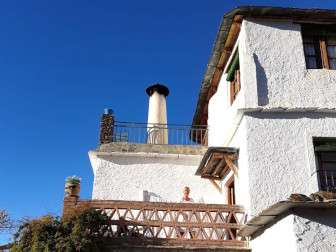 "Photo of the entrance of casa rural ""Sierra y Mar"" in the morning sun"